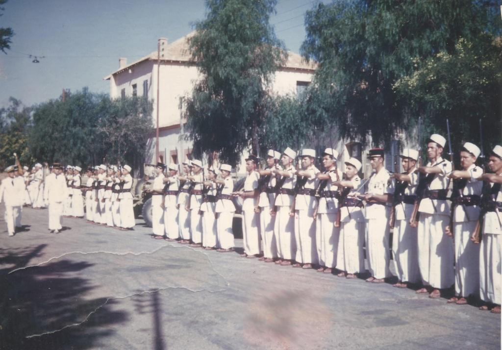 Легіонери у французькому Алжирі 1955 рік.